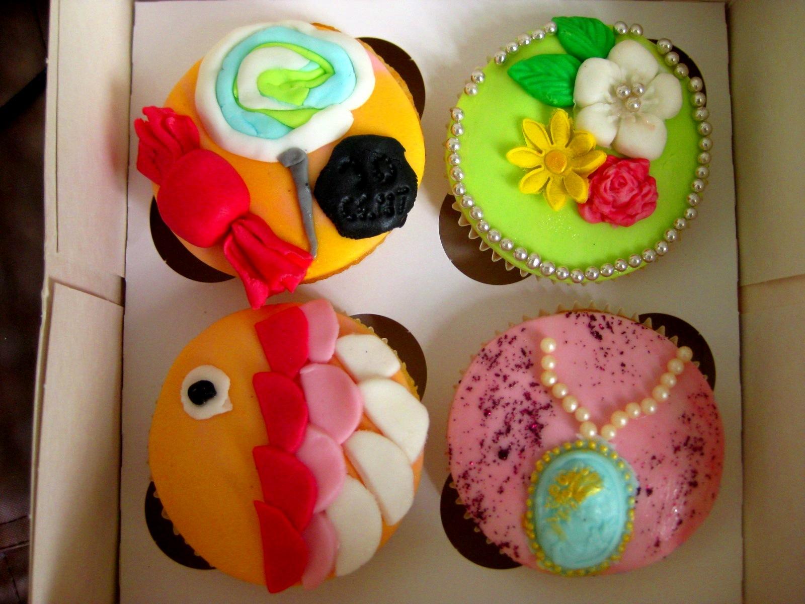 pin workshop cupcake versieren cake on pinterest. Black Bedroom Furniture Sets. Home Design Ideas