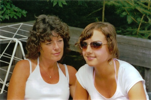 2005 Vogezen Nanda en Lieke op terras